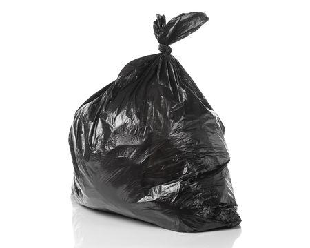vuilnis zak geïsoleerd op een witte achtergrond met een goede afspiegeling