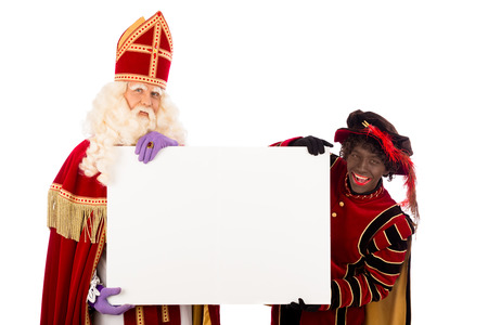 Sinterklaas en Zwarte Piet met aanplakbiljet. geïsoleerd op witte achtergrond. Nederlandse karakter van de Kerstman Stockfoto