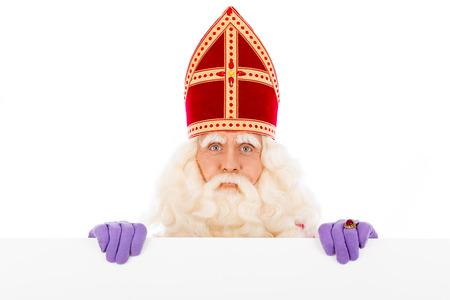 Sinterklaas met plakkaat. geïsoleerd op een witte achtergrond. Nederlandse karakter van de Kerstman Stockfoto