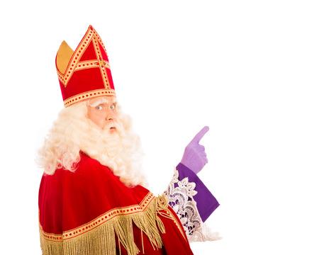 Sinterklaas met wijzende vinger. geïsoleerd op een witte achtergrond. Nederlandse karakter van de Kerstman