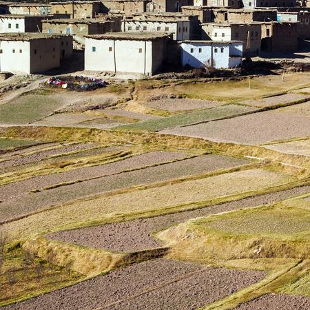 Landbouw in Berber dorp, Marokko. Luchtfoto van landbouwgrond.