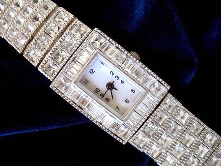woman clock: Reloj de diamantes de mujer