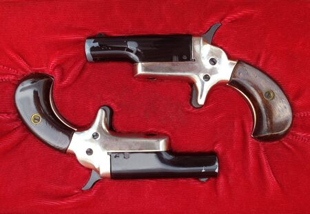 dueling: Vintage set of parlor or dueling pistols in original case
