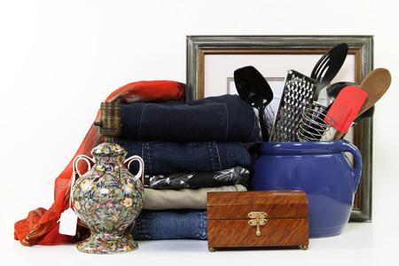 Des objets du quotidien pour la vente dans un magasin de voiture Banque d'images - 23312414
