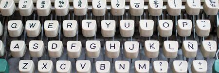 background with old white typewriter keys 版權商用圖片