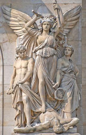 teatro antiguo: Escultura en la composici�n de la fachada de la Opera Garnier, Par�s