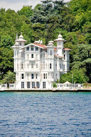 bosporus: Mansion on the coast of the Bosporus