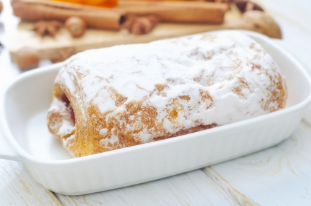 sweet roll Stock Photo - 16575903