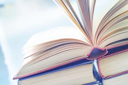 nyitott könyv Stock fotó