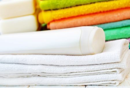 towels and shampoo photo