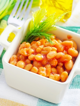 white bean with tomato sauce photo