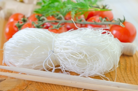 rice noodles and tomato Stock Photo - 19733734