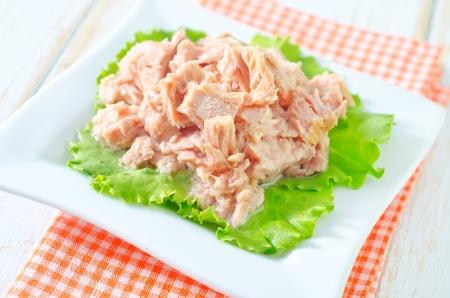 салат из тунца Фото со стока