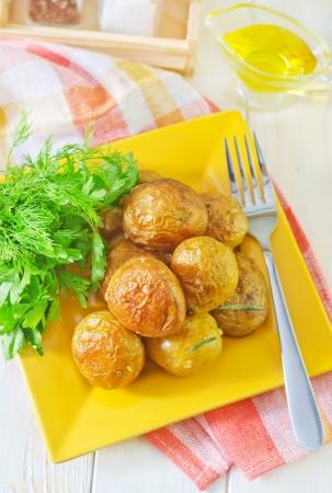 oven potatoes: baked potato