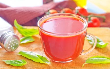 elongated: tomato juice