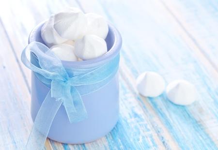 kiss biscuits: meringue