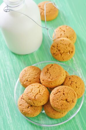 milk with cookies photo