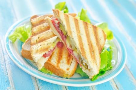 broodjes met salade Stockfoto