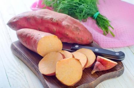 Süßkartoffel Standard-Bild - 23833437
