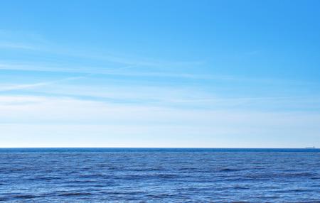 sea and sky 版權商用圖片