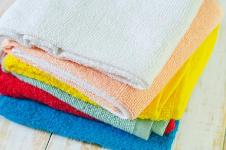 color towels photo