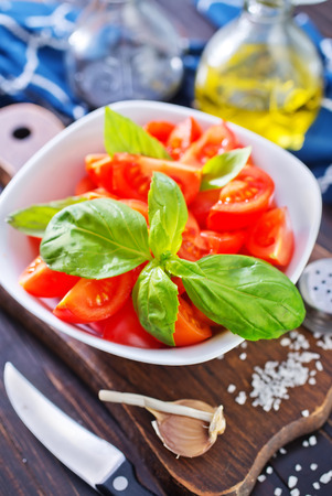 salad with tomato photo