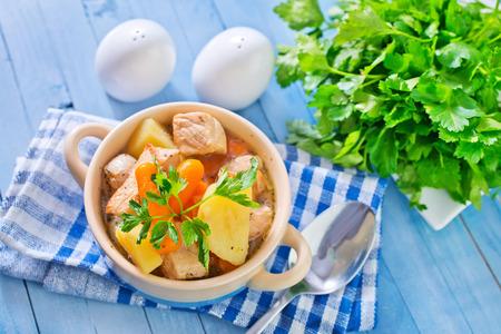 sopa de pollo: sal fresca Foto de archivo