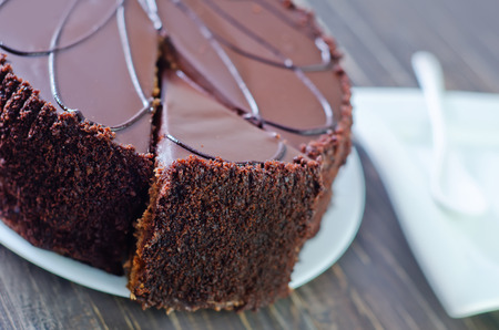 layer cake: chocolate cake