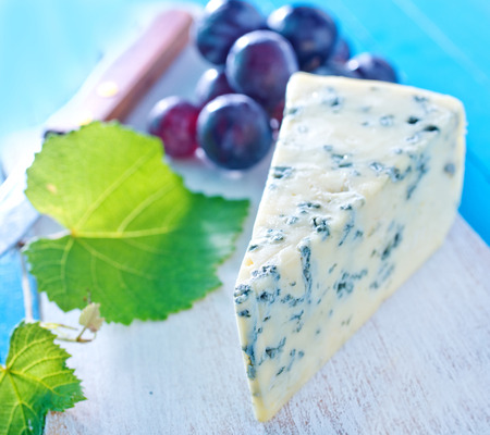 cheese with grape photo