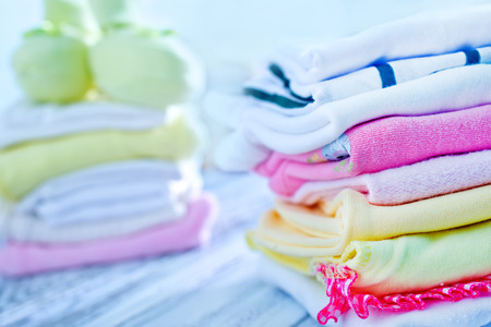 寶寶的衣服,衣服的女嬰,衣服新生 版權商用圖片