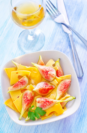 diat product: cheese with figs