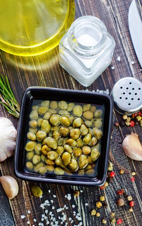 alcaparras: alcaparras y aroma de especias
