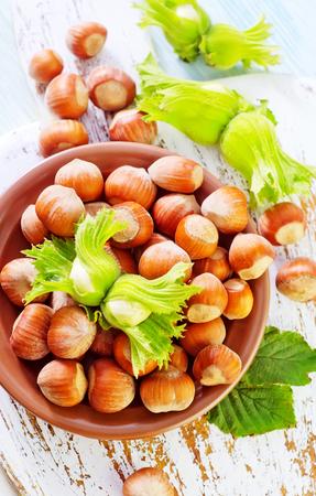 hazelnuts: avellanas