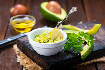 gallo: avocado sauce in bowl and on a table
