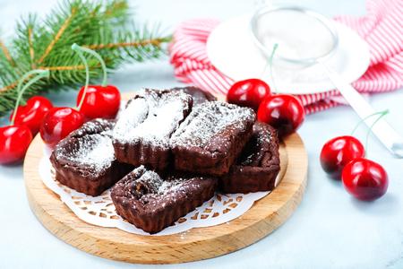 sweet cake for christmas dinner, christmas cake with chocolate
