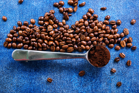coffee beans on a table, coffee background Stok Fotoğraf - 82429121