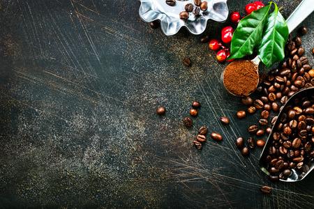 koffiebonen op een lijst, voorraadfoto