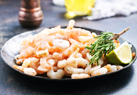 boiled shrimps with pepper and salt on plate Stock Photo - 90767079