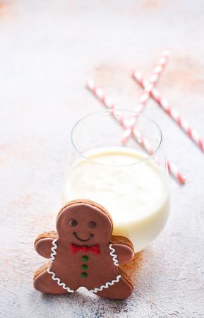 테이블에 우유와 진저, stock photo