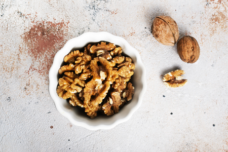 walnuts in bowl, dry nuts, stock photo Imagens