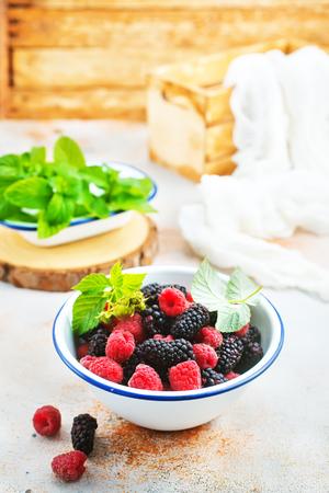 blackberry and raspberry in bowl, stock photo Stok Fotoğraf