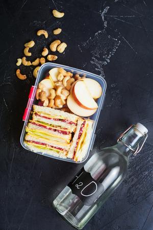 Diet food in lunch box, fresh dinner food Zdjęcie Seryjne