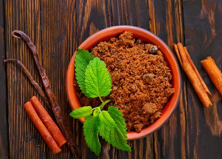 reed sugar with mint leaf and cinnamoon