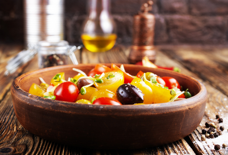tomato salad with oil and olives in bowl Stok Fotoğraf