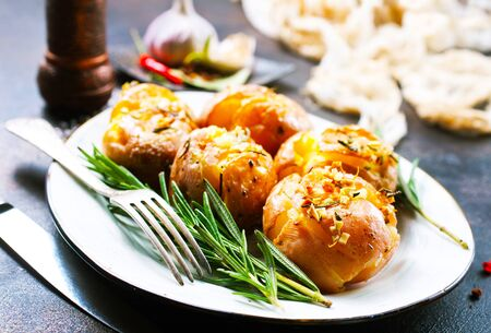 baked potato with spice and rosemary, baked potato with salt