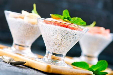 desert with chia pudding and fresh fruit Reklamní fotografie