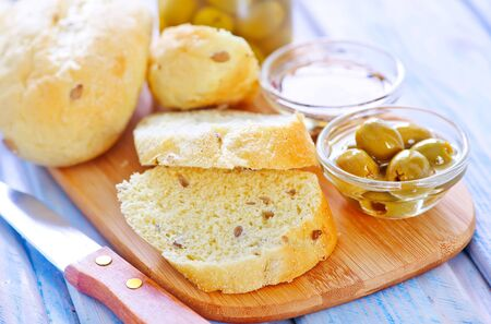 bread with olive and oil on the board Stockfoto