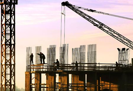 baustellen:  Silhouette der Bauarbeiter