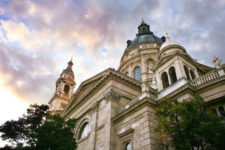 saint stephen cathedral: The Saint Stephens Basilica in Budapest, Hungary