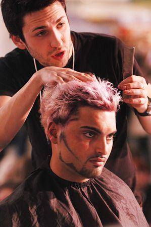 coupe de cheveux homme: Kiev, UKRAINE - Le 19 avril 2007 : concours de coiffure STREET FASHION le 19 avril 2007 � Kiev, en Ukraine